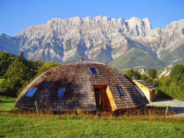 le chalet tournesol maison domespace avec chambres d h 244 tes insolites 224 vendre dans les alpes du sud