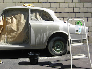 Wet sanding Volvo Amazon with 600 and 800 grit