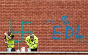 masjid di london diconteng lambang nazi,diceroboh