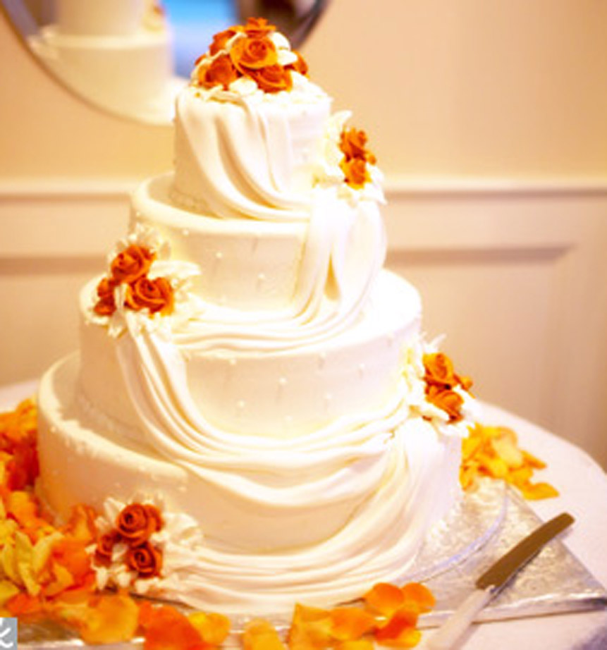 Wedding Cakes and Decoration >> Cupcake , Square , Round Cakes,