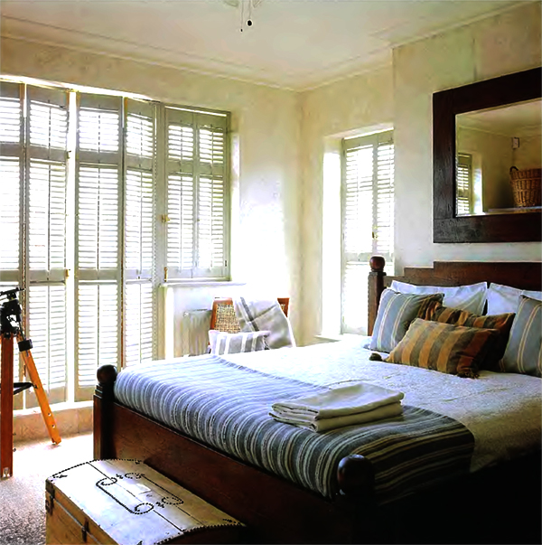 Country bedrooms ideas 5 small interior ideas for Country bedroom designs