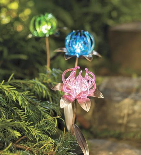 Awesome and Coolest Garden Lights (12) 3