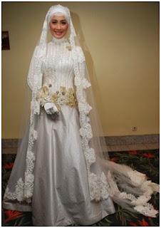 Kebaya Gaun Modern
