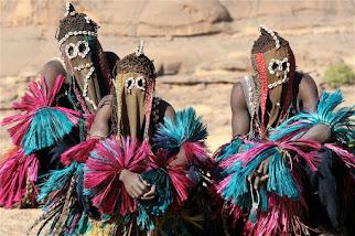 """""""Sie leben unter der Erde"""" - Indigene Älteste erzählen Geschichten über """"Sternenmenschen"""", die in d"""