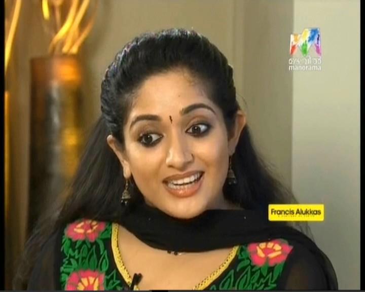 Kavya Madhavan in Saree Kavya Madhavan Hot Photos in