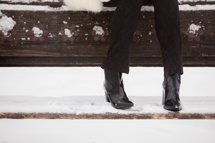 Park bench, lack brocade pants, Pour la Victoire patent leather boots