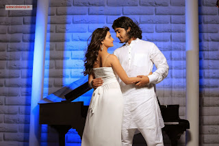 Oru-Vaanavil-Pola-Movie-Stills