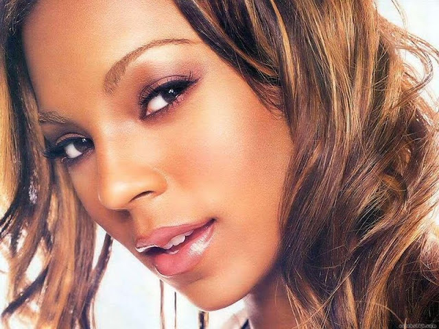 Ashanti Biography and Photos 2011