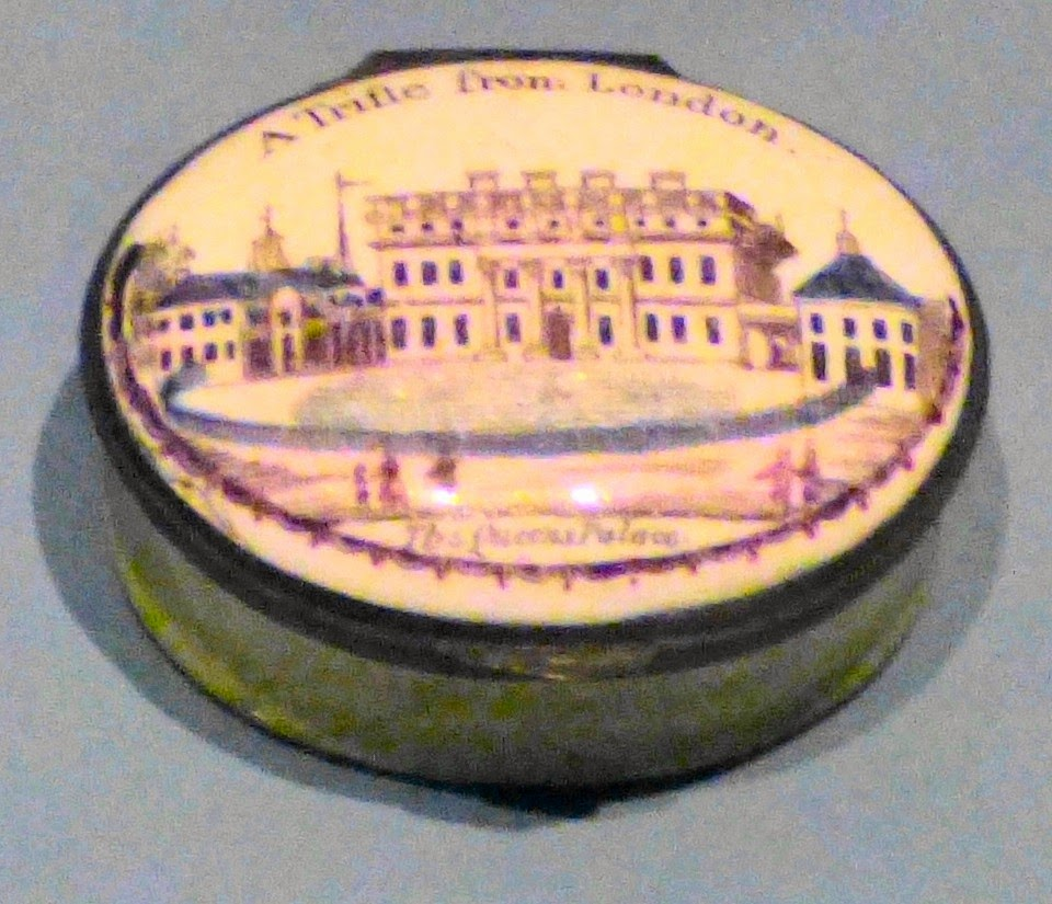London souvenir box showing the Queen's Palace  From the Museum of London's collection