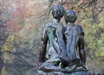 les relations de couples et la communication entre conjoints se trouve au cœur du défi de notre société contemporraines. Nous sommes à cheval entre tradition et modernité.