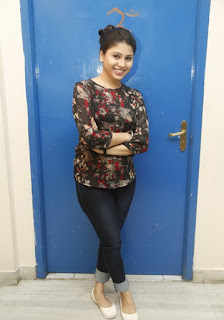 Hmida looks so cute and beautiful in Denim Tight Jeans and Lvoely short Kurta