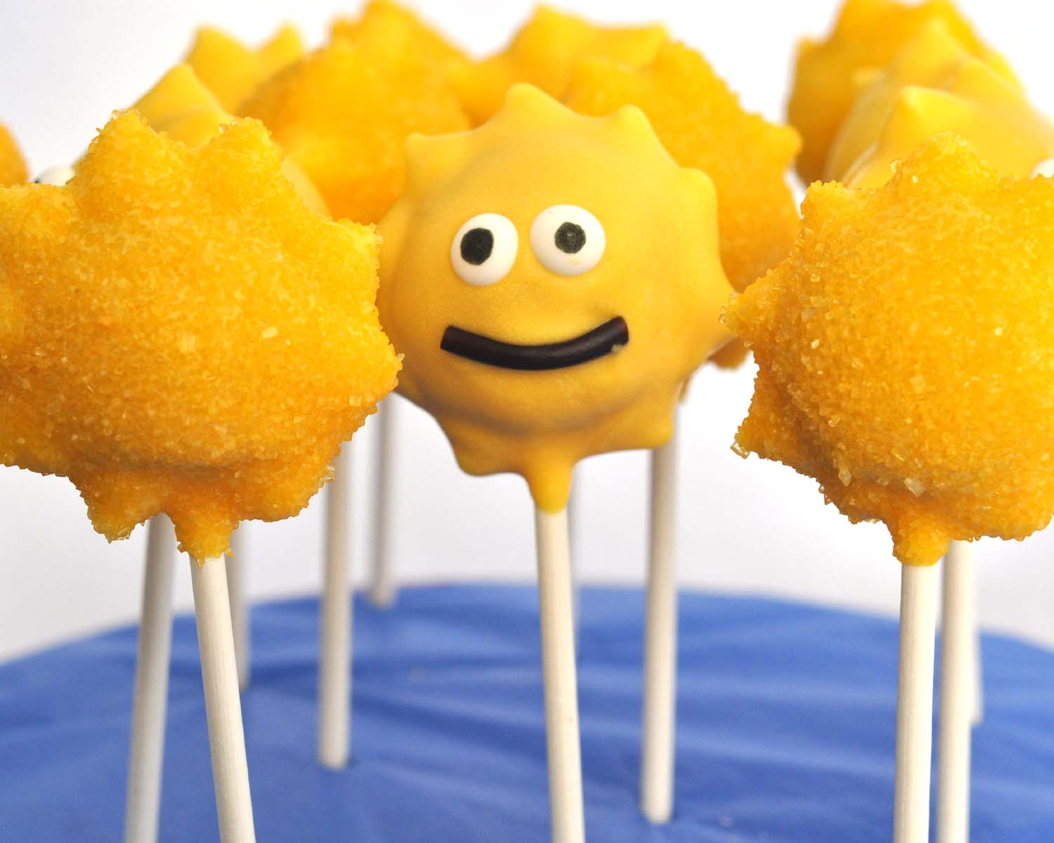 summer sunshine cake pops these cute happy sunshines make me