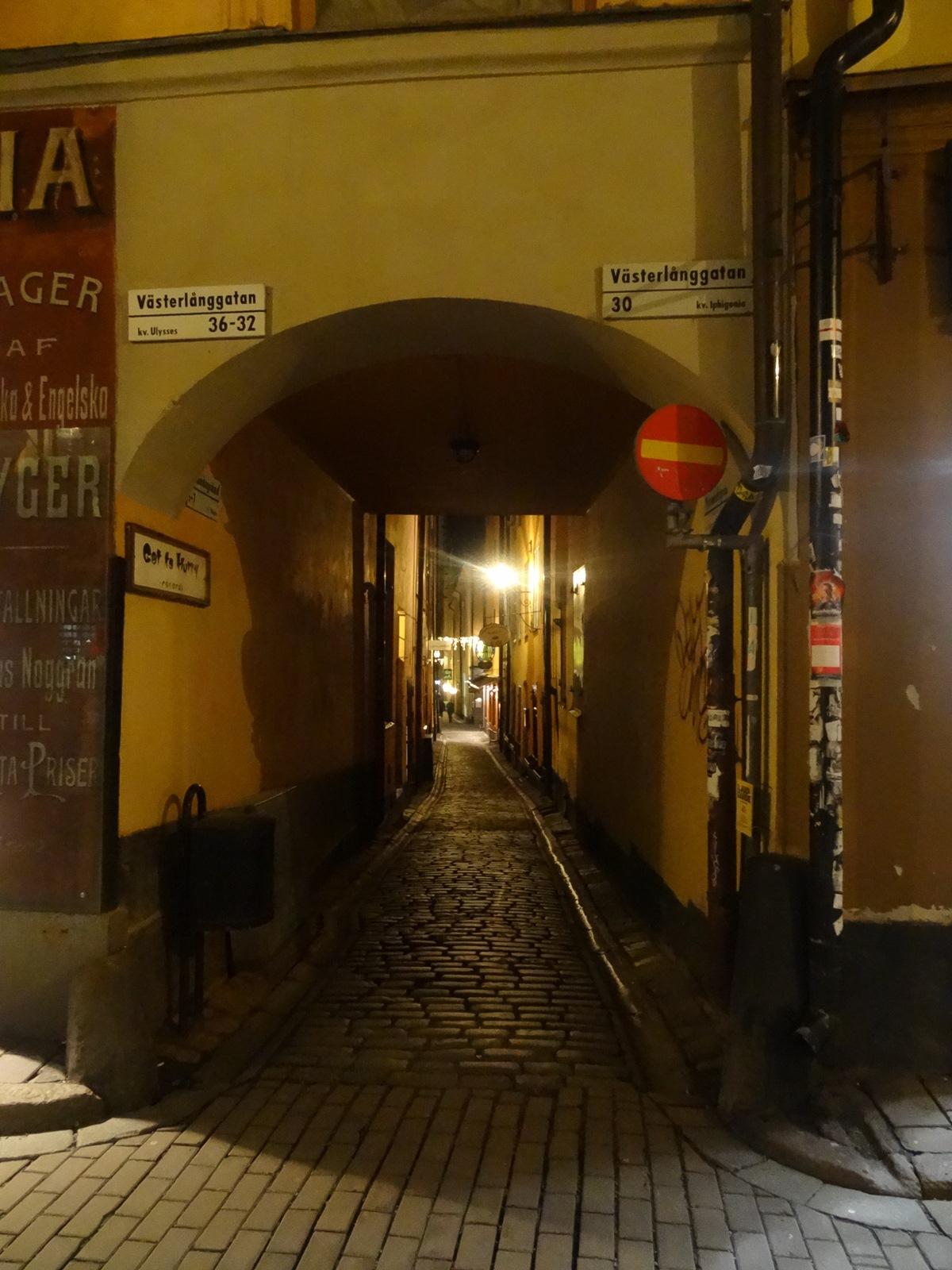 09 waska uliczka w sztokholmie