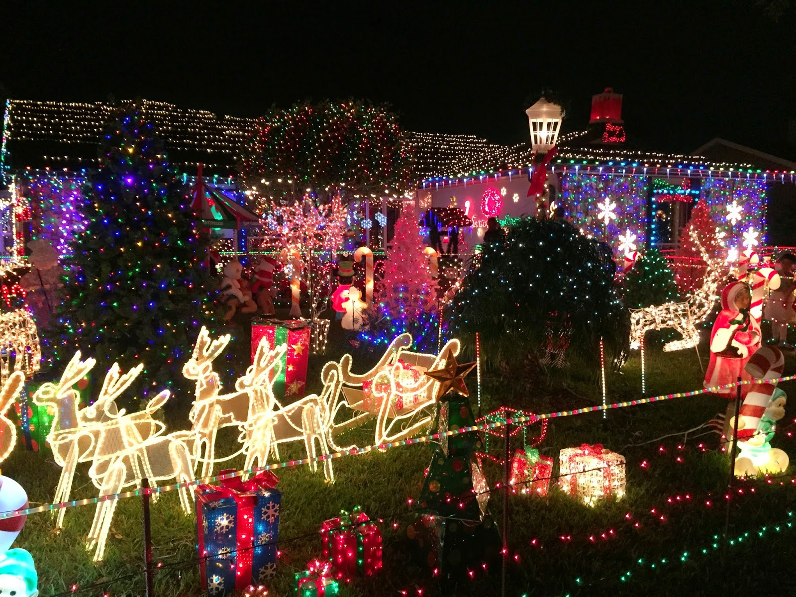 Where To See Awesome Christmas Lights