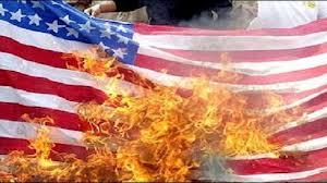 Le drapeau américain brûlé