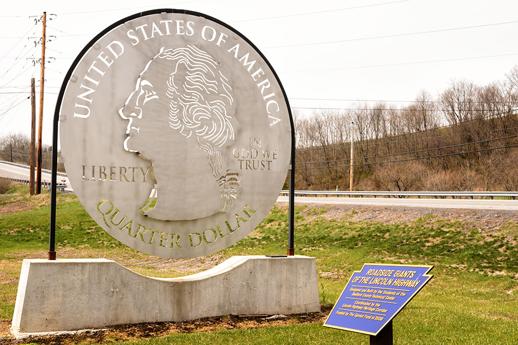Lincoln Highway Roadside Giant - Quarter