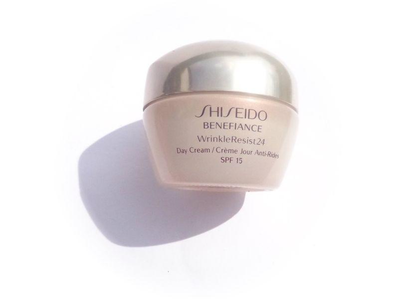 addicted to makeup shiseido benefiance wrinkle resist 24 day cream. Black Bedroom Furniture Sets. Home Design Ideas