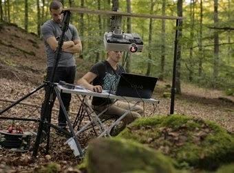Pusieron cámaras en el bosque cada noche y la grabación fue épica