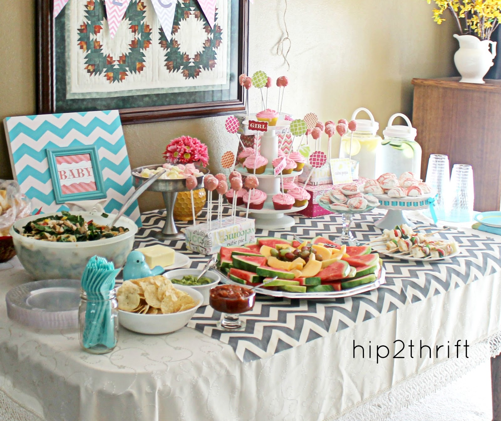 Hip2thrift simple chevron baby shower - Baby shower chevron decorations ...