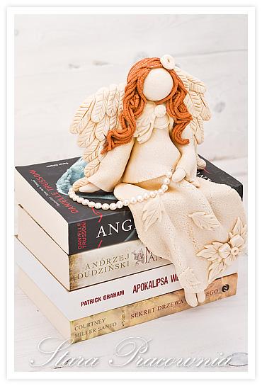 salt dough angels, salt dough, salt dough angel, siedzące figurki z masy solnej, siedząca figurka z masy solnej