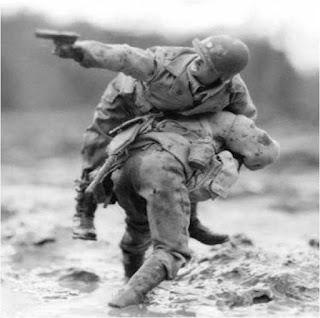 Les vertus militaires, sans lesquelles il n'est pas de civilisation viable. <[cliquer]>