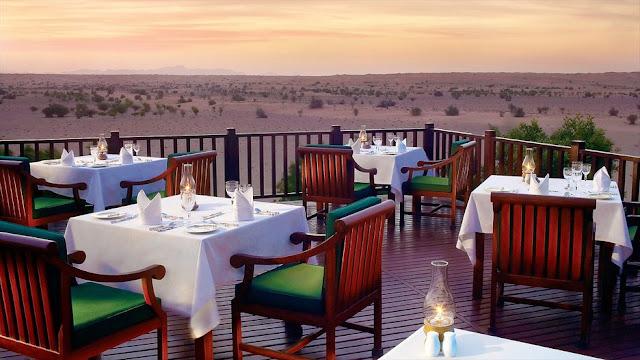 Trải nghiệm bữa ăn ở Sa mạc Dubai