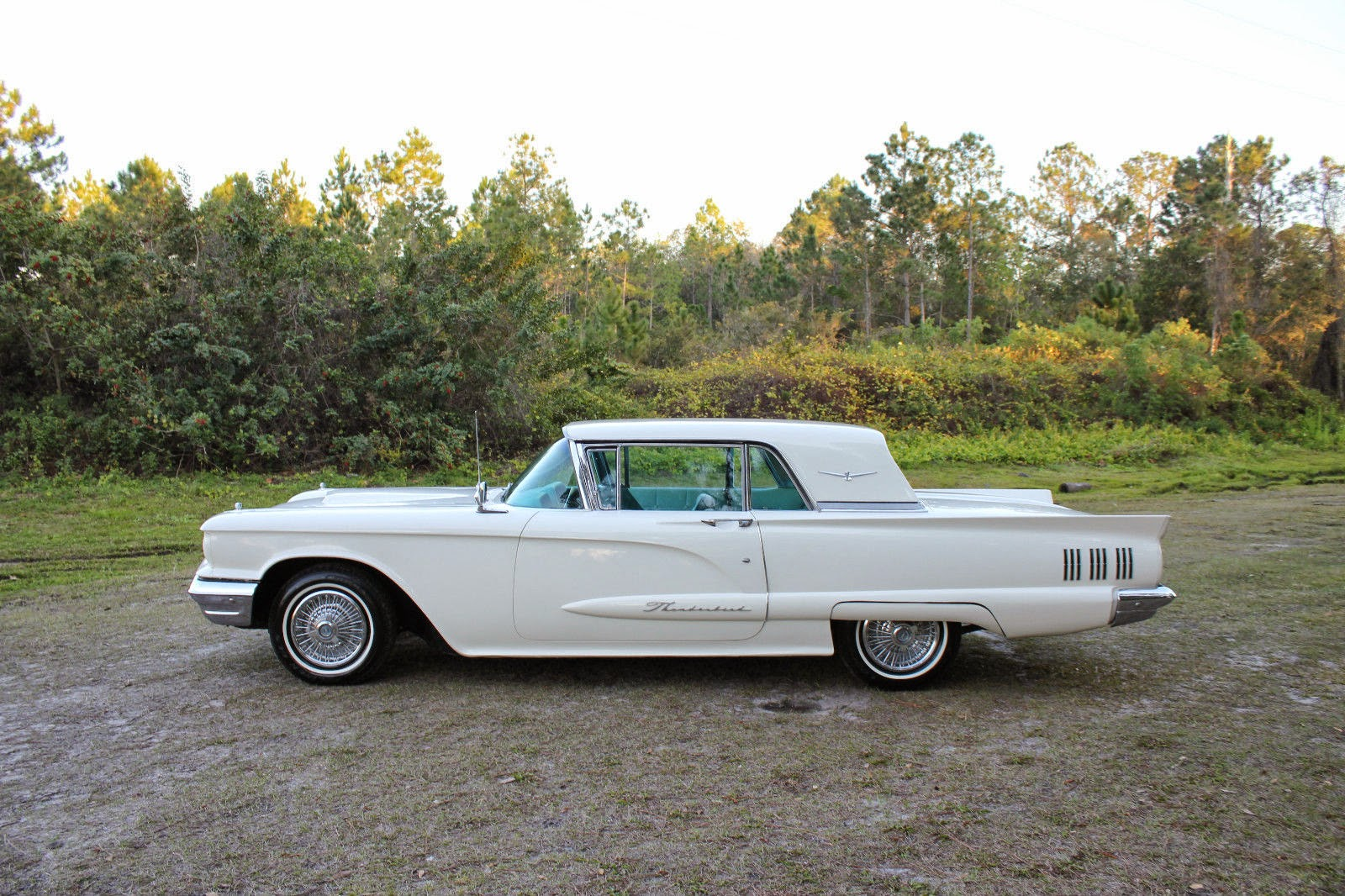 all american classic cars 1960 ford thunderbird 2 door hardtop. Black Bedroom Furniture Sets. Home Design Ideas