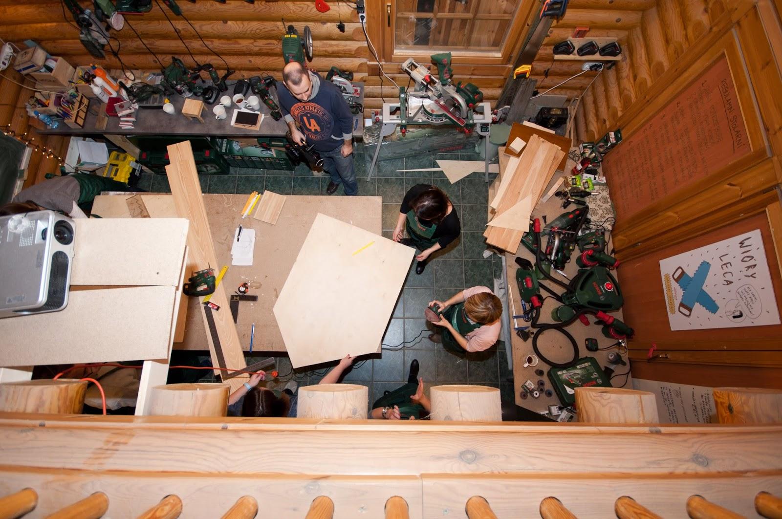 warsztaty stolarskie,krok po kroku,DIY,zrób to sam,jak zrobić drewniany domek dla samochodów,resoraków