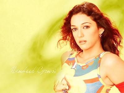 Nauheed Cyrusi sexy picture