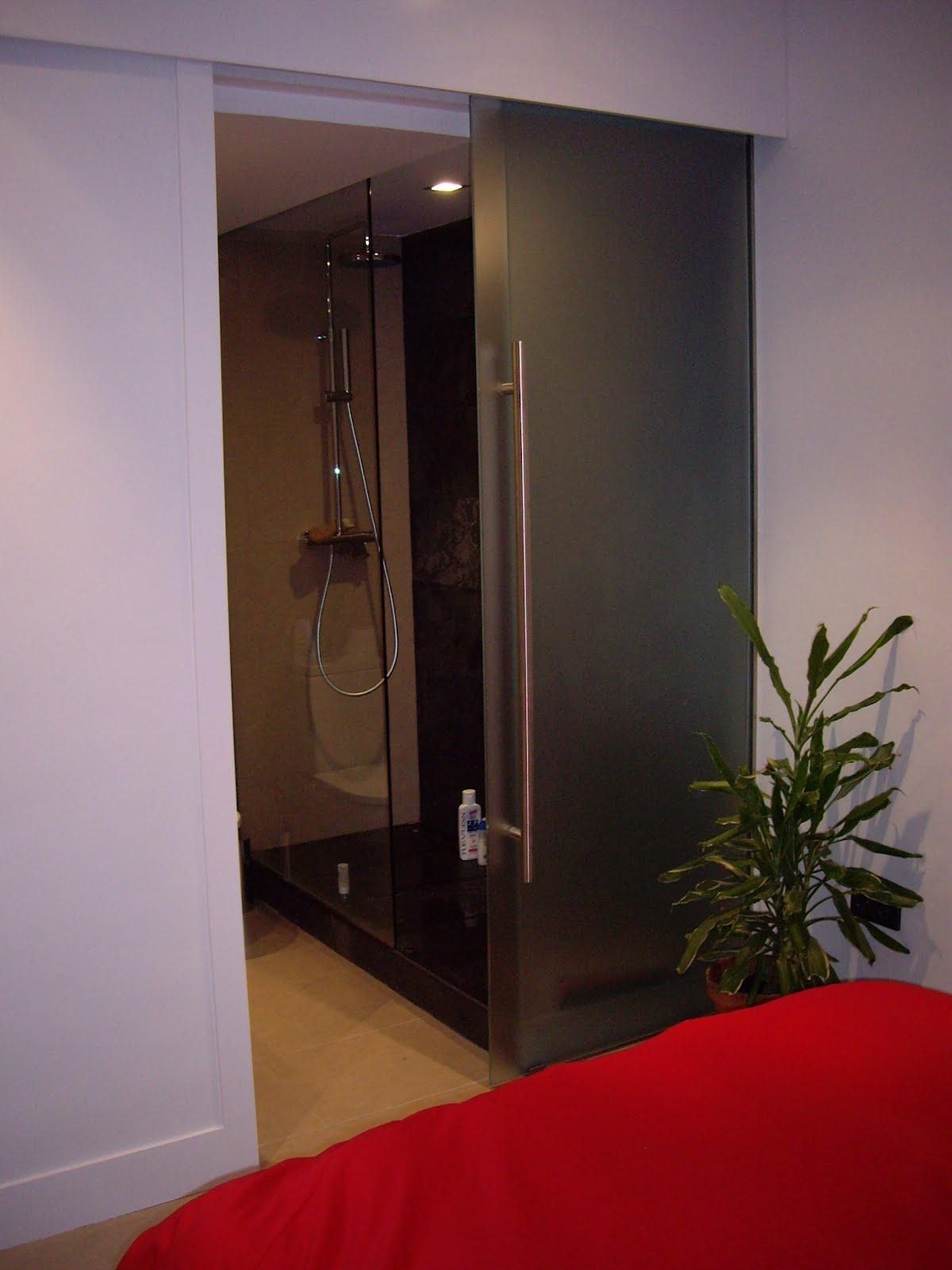 Tu casa en madrid detalles de la vivienda for Tirador embutido puerta corredera