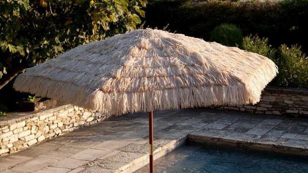 Belles et pratiques parasols pour la d corations de jardin for Como hacer una sombrilla para jardin