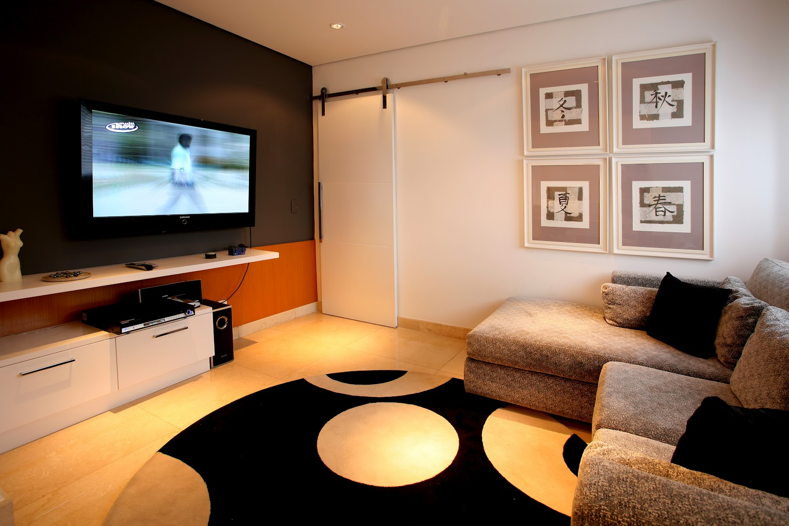 a sala de estar x home theater papo de design. Black Bedroom Furniture Sets. Home Design Ideas