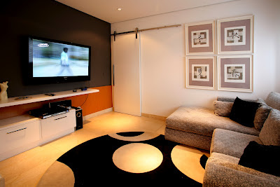 home theater preto e branco