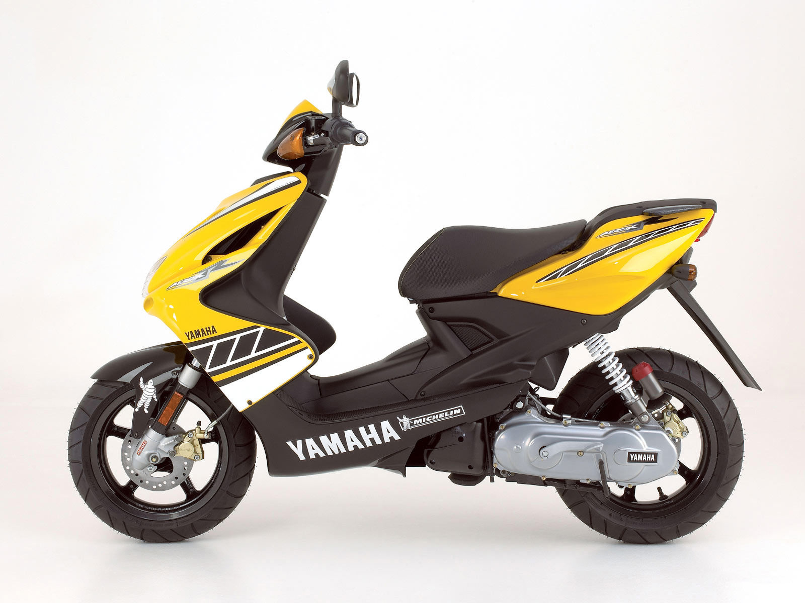 Electric Scooter With Seat >> 2007 YAMAHA Aerox R Special Version pictures, insurance