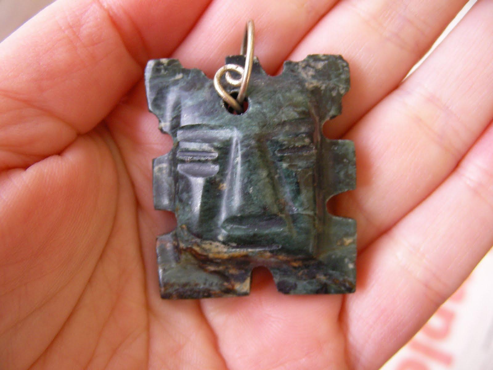 Colgante maya de piedra jade-
