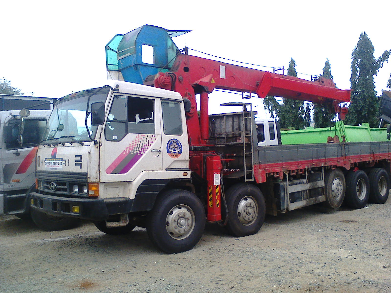 hyundai xcient watch youtube truck trago trucks