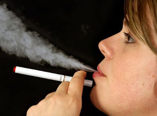 Hisap Rokok Elektrik Mulut Meledak