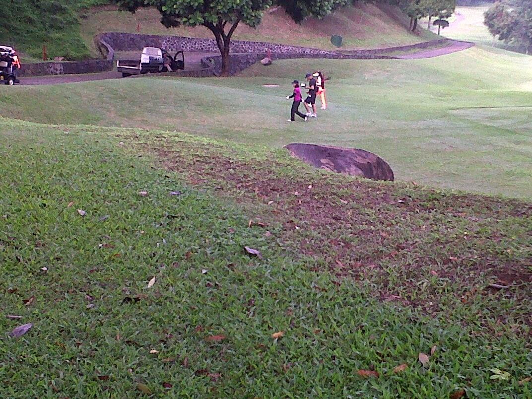 Lapangan golf gunung geulis resort
