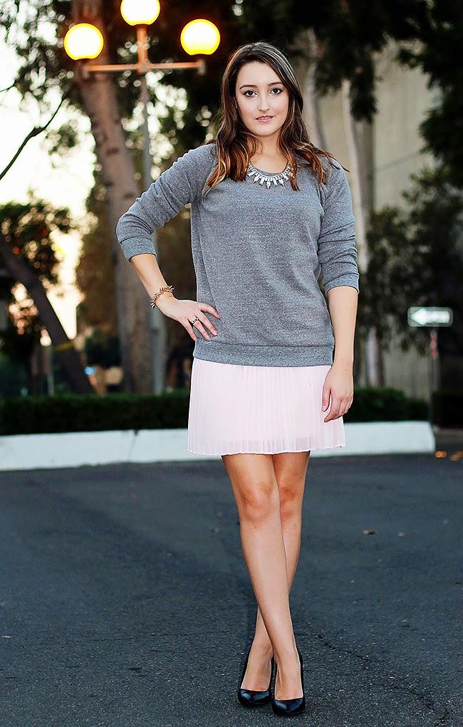 Pleated pink skirt + sweatshirt