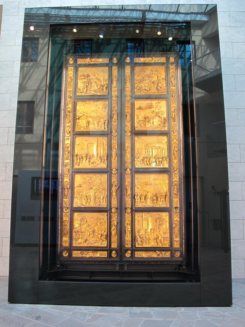 Las puertas del para so de ghiberti para el battistero for Puerta 4 del jockey