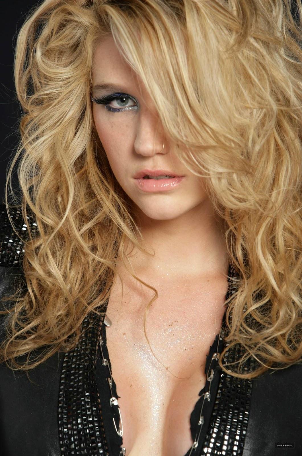 http://4.bp.blogspot.com/-bWAbyKLuckc/T1of3Z32SiI/AAAAAAAAB_o/sDgkmO4ML9w/s1600/Kesha-piccol.jpg
