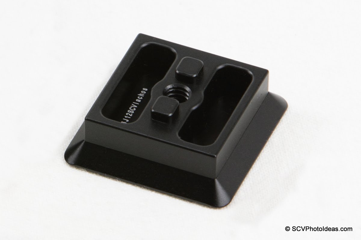 Sunwayfoto GHA-01 Bi-directional Adapter Plate top-view