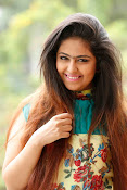 Avika Gor New Cute Stills-thumbnail-20