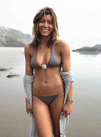 Jessica Biel bikini wallpapers
