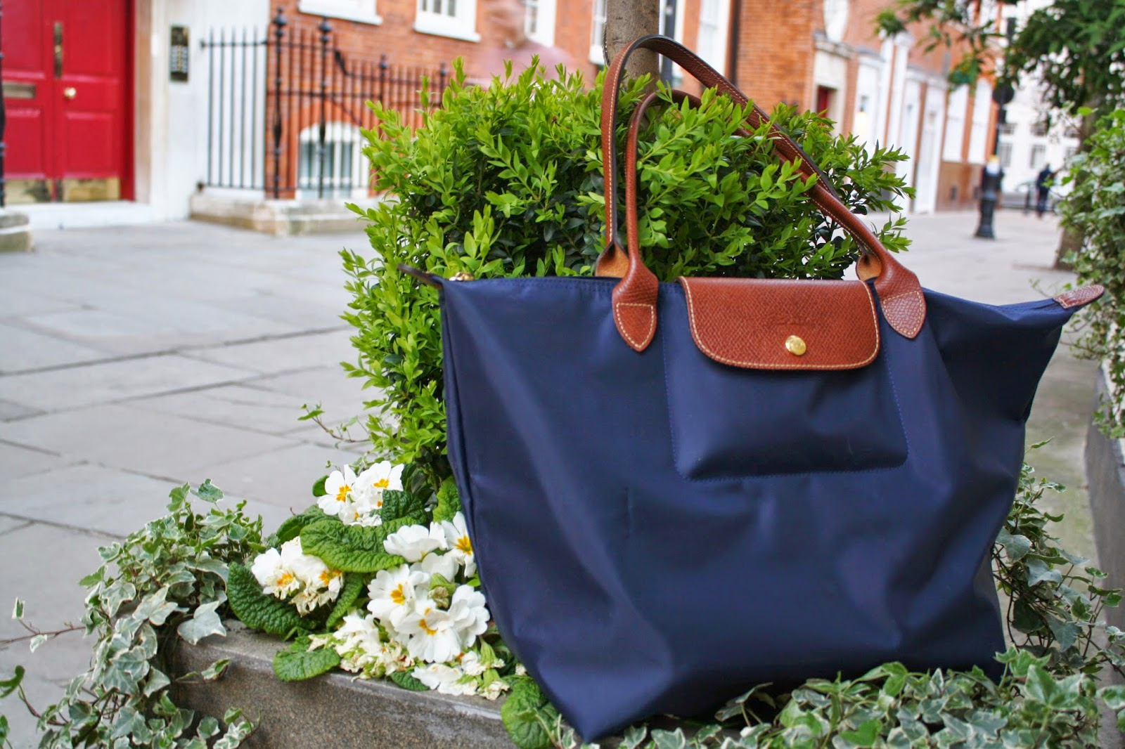 navy longchamp le pliage bag