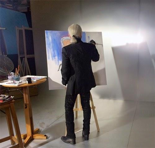 Karl Lagerfeld en su estudio