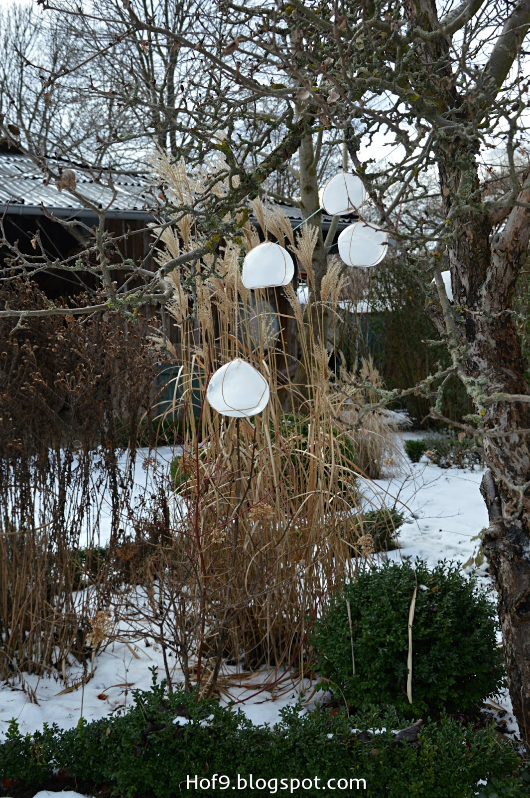 Hof 9 eiskugel diy oder etwas deko muss in den garten - Winterdeko garten ...