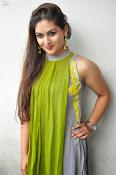 Prayaga Martin Glamorous photos-thumbnail-13