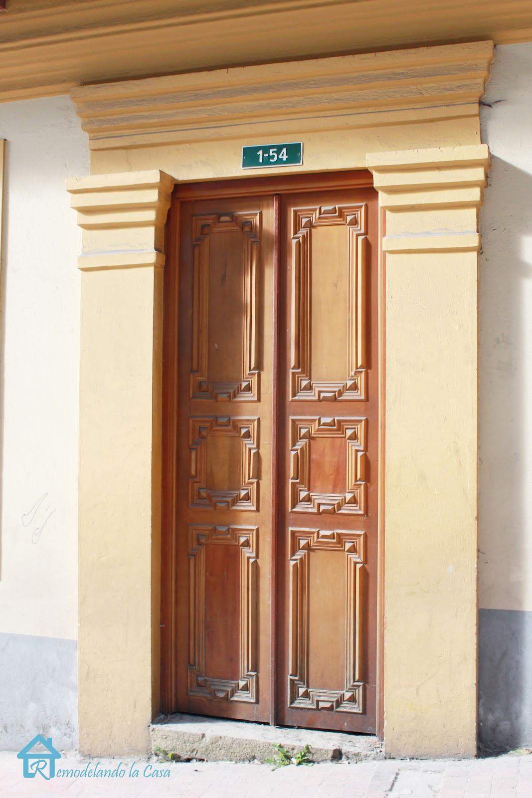 Remodelando la casa spanish style architecture for Door in spanish
