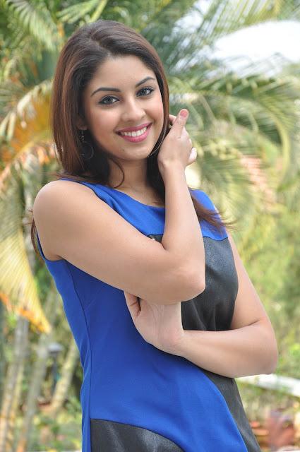 Richa Gangopadhyay latest hot photo shoot